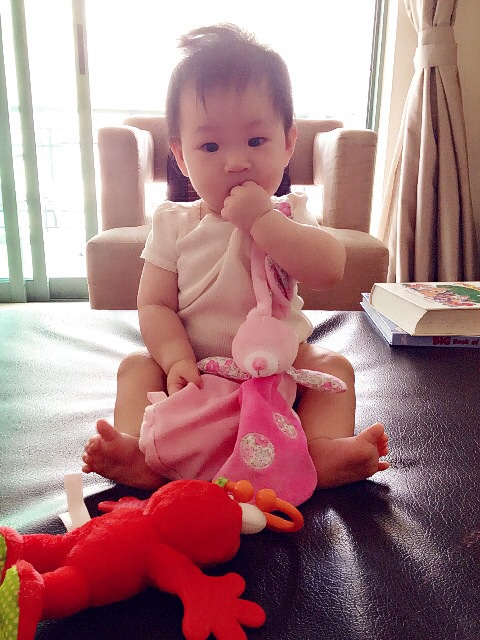 Sitting upright at 5+ months
