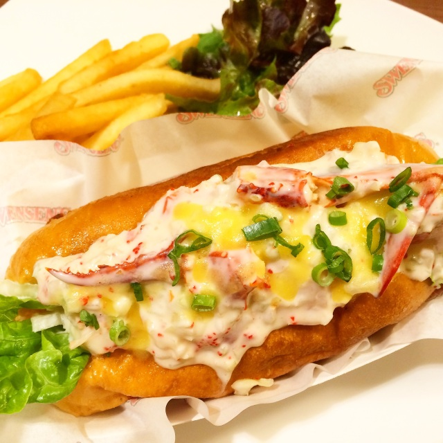 Swensen's Boston lobster roll