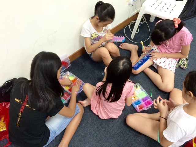 Loom band-making
