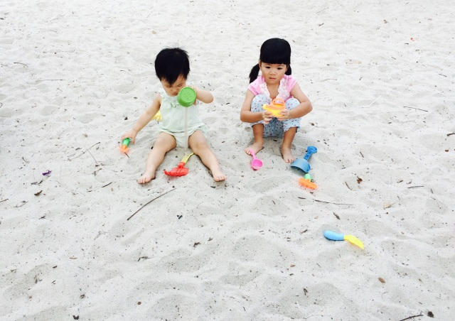 Little E and LT playing sand