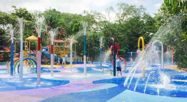 Water play at Zoo