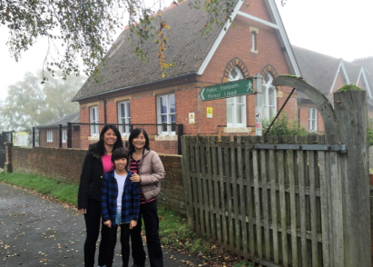 Forest Footpath to Pembury Primary School. Mei Tsin with her eldest daughter, Isabella.