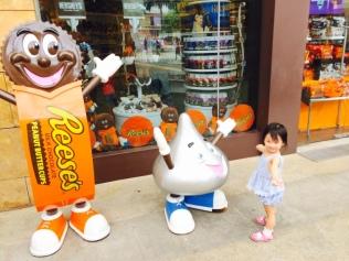 E with Hersheys mascots