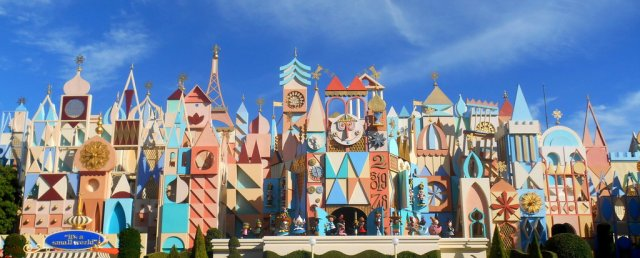 it_s_a_small_world___tokyo_disneyland_by_rubyreminiscence-d6p0r07.jpg