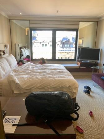 Intercontinental room